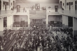 "New York - Ellis Island, hall des ""formalités"", photo d'archives"