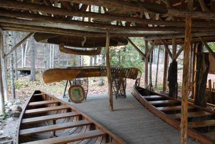 Site Traditionnel Wendat-Huron - Construction de canoë