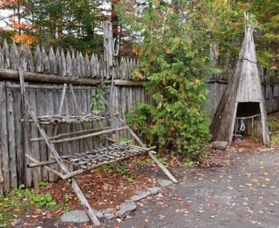Site Traditionnel Wendat-Huron - Séchoir et fumoir pour le poisson