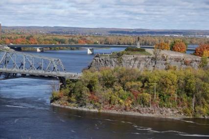 Ottawa - Vue depuis la Colline du Parlement sur une partie du Pont Alexandra