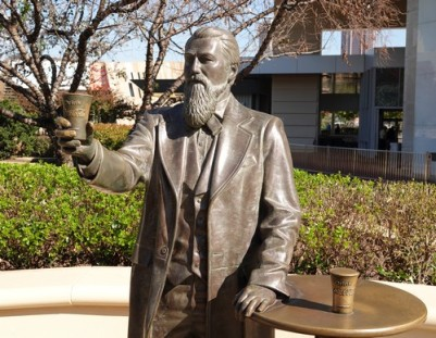 Atlanta - Esplanade non loin du Centennial Olympic Park - Dr Pemberton, l'inventeur du Coca Cola