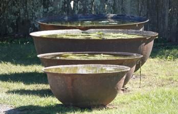 Plantation Laura - Cuve utilisées pour récupérer le sucre de la canne