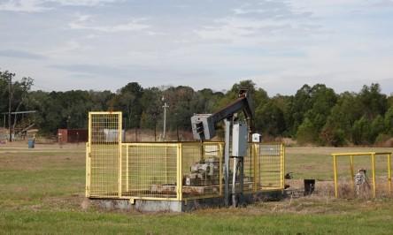 Vers Lafayette - Puits de pétrole