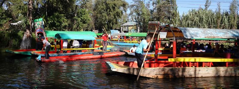 De l'ambiance « village » de Coyoacan aux canaux de Xochimilco, une journée bien colorée dans les environs deMexico