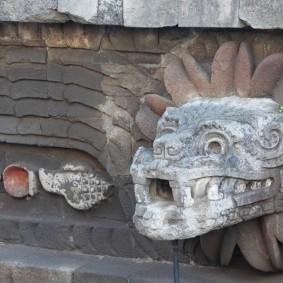 Site archéologique de Teotihuacan - Temple du Serpent à Plumes - Tête de serpent