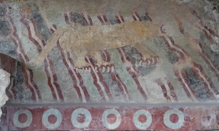 Site archéologique de Teotihuacan - Sur le côté de la Chaussée des Morts - Peinture d'un jaguar
