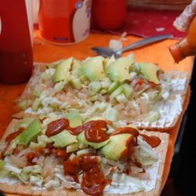 Mexico - Tartine de ceviche à l'avocat et au chou