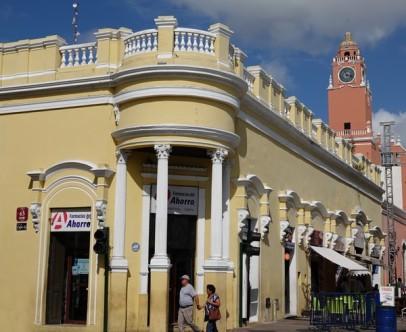 Mérida - Bâtiment bordant la Plaza Grande