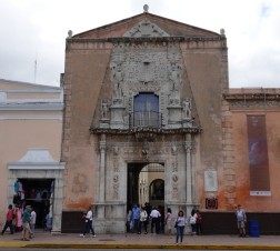 Mérida - Plaza Grande - Caja de Montero