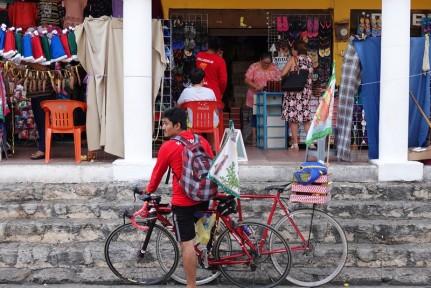 Izamal - Pèlerin à vélo