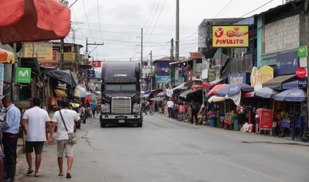 Rio Dulce - Rue principale