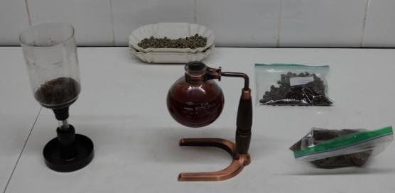 """Plantation Welchez – Coffee Tour - Atelier """"dégustation"""" - Cafetière à l'ancienne pour préparer le dernier café !"""
