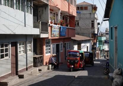 Dans la rue principale de San Pedro
