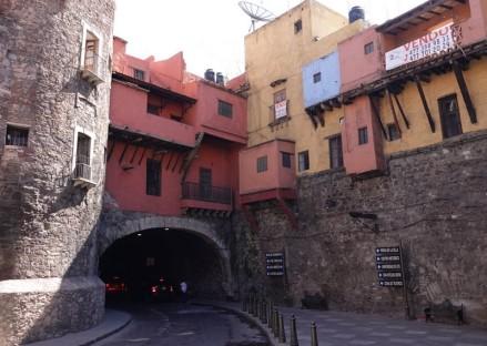 Guanajuato - Entrée d'un des nombreux tunnels