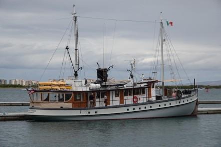 La Paz - Malecon - Bateau type steamer sur grand lac