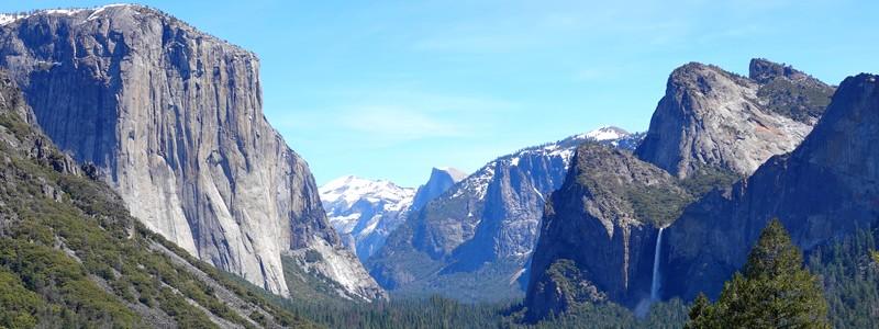Dans la Yosemite Valley, au pied du mythique ElCapitan