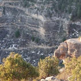 Arizona – Grand Canyon – South Rim, rando sur le trail qui longe Hermit Road - Il y a encore de la neige, pas étonnant qu'il fasse si frais !