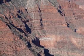 Arizona – Grand Canyon – South Rim, rando sur le trail qui longe Hermit RoadArizona – Grand Canyon – South Rim, rando sur le trail qui longe Hermit Road