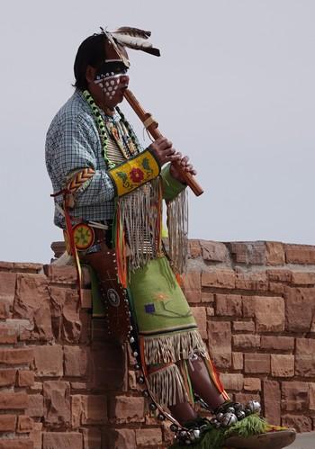 Monument Valley - Indien sur la terrasse