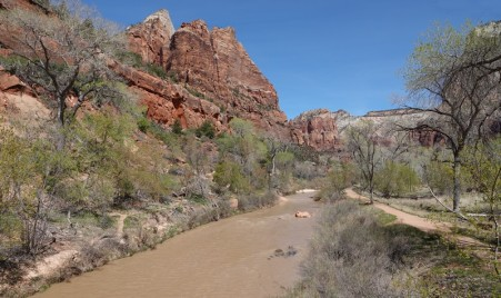 Parc national de Zion - Lower Emerald Pool Trail - Vue sur la Virgin River, au tout début de la balade