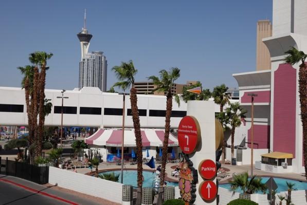 Las Vegas - Circus Circus - Au loin, on aperçoit la Stratosphère...