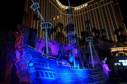 Las Vegas by night - Treasure Island