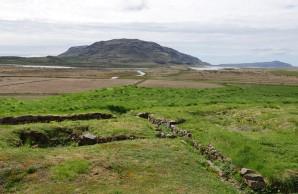 Cercle d'Or - Skálholt - Au premier plan, fondations d'anciennes maisons