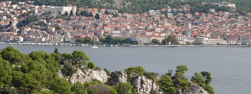 Balade jusqu'à la Forteresse Saint Nicolas, non loin deŠibenik