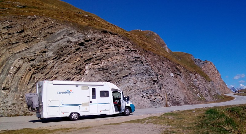 Suisse - Vers le col de la Furka - Notre camping-car !