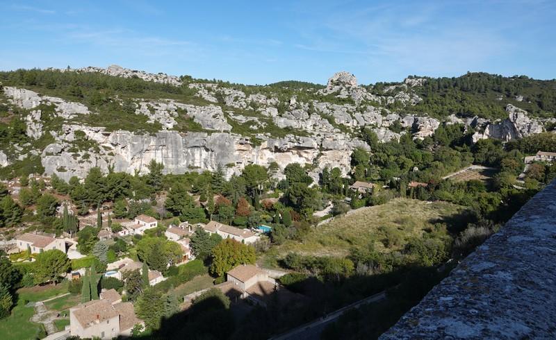 Les Baux de Provence - Vue sur le Val d'Enfer depuis la place haute