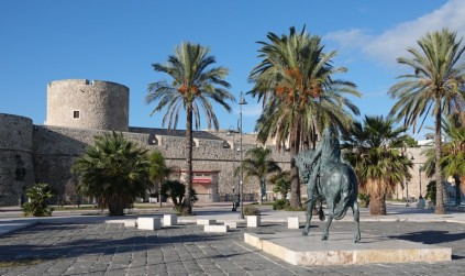 Manfredonia - Ici aussi, on trouve un château de type normand