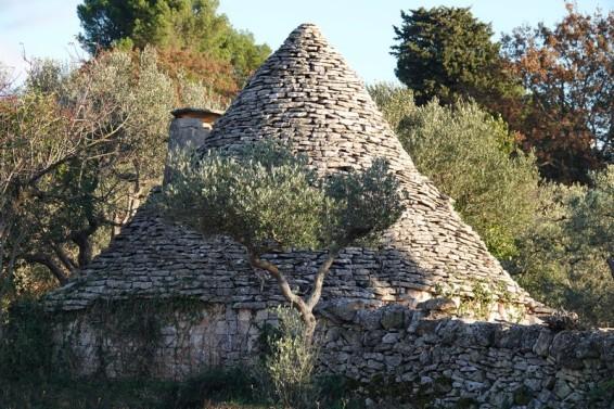Alberobello - Trullo très ancien à l'extérieur de la ville