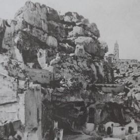 Matera - Maison-grotte de Vico Solitario - Photo d'archives (1920)
