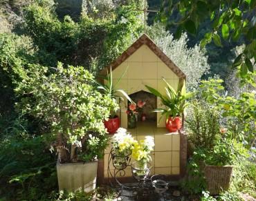 Route pour Savoca - Petite chapelle commémorative