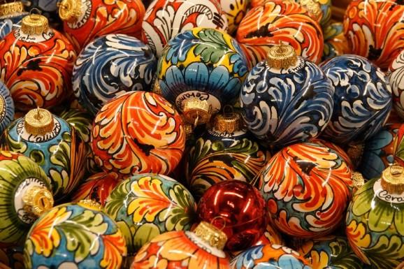 Savoca - Céramique traditionnelle - Belles boules de Noël...