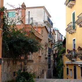 Taormina - Vers la Piazza IX Aprile