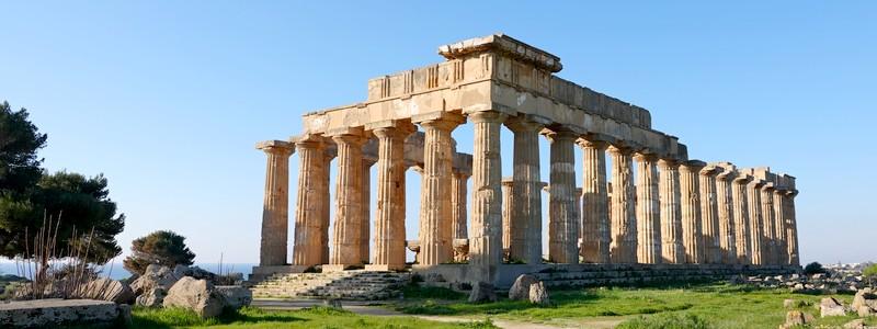 Au cœur de l'Antiquité, dans les ruines grecques de la belleSélinonte…