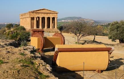 Site archéologique de la Vallée des Temples - Au premier plan, système pour transporter les blocs