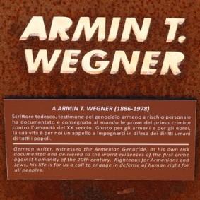 Site archéologique de la Vallée des Temples - Lieu de mémoire - Hommage à Armin Wegner, un écriain allemand qui fut dans les premiers à dénoncer le génocide arménien