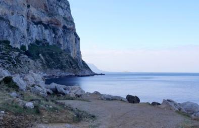 Balade à vélo Sferracavallo / Mondello - Vers le cap Gallo, de l'autre côté, à quelques centaines de mètres se trouve notre camping !