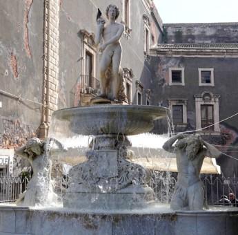 Catane - Piazza del Duomo - Fontaine dell'Amenano
