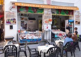 Palerme - Marché Vucciria - Petit resto / poissonnerie