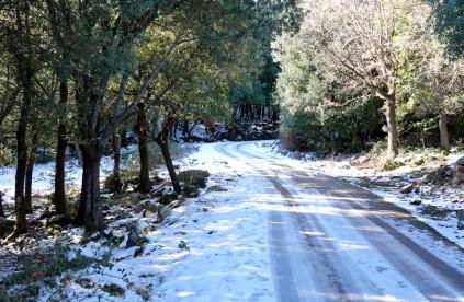 Sur la route qui rejoint Piano Sempria - A pied...