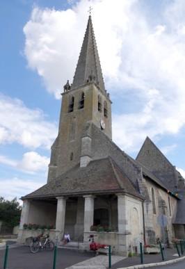 Couture-sur-Loir - Eglise qui abrite les gisants des parents de Ronsard