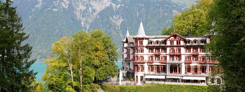 Magnifique randonnée le long du lac de Brienz, avec une arrivée au pied du Grand Hôtel et des chutes de Giessbach…