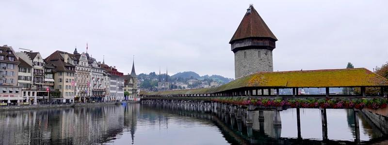 Même sous la grisaille, on a adoré la superbe Lucerne!
