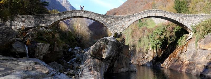 Retour dans la vallée de la Verzasca pour un bel itinéraire pédestre, de Mergoscia àLavertezzo…