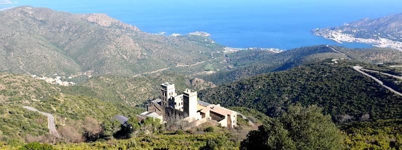 A vélo ou à pied, tous les chemins mènent au Monastère Sant Pere de Rodes!